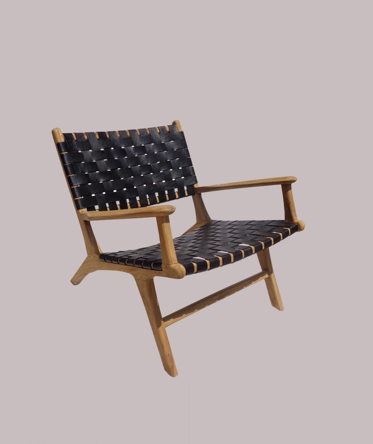 Chaise noire tressée